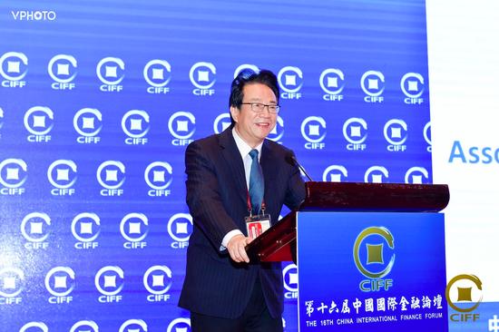 潘光伟:金融租赁业机遇与挑战并存 应注重防控风险
