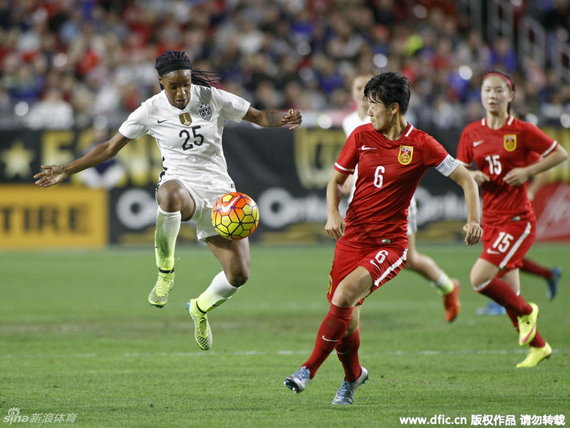 队长李东娜带领球队步步前进