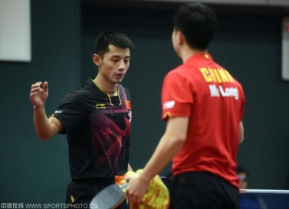 DE PingQiu racing dragon Zhang Jike 4-0 in the final Chop war Wu Yang win