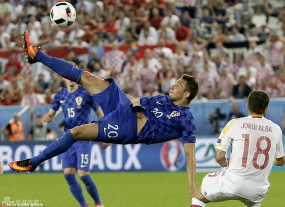 皮亚察闪耀欧洲杯