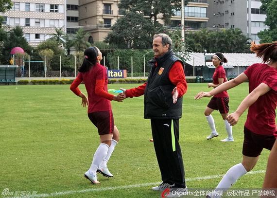 中国女足巴西冲刺奥运