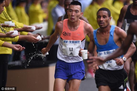 李子成在北京马拉松赛场