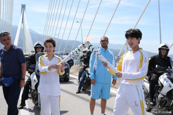 杨洋、郭采洁担任里约奥运会火炬手