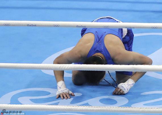 中国拳击手吕斌奥运遭遇争议判罚