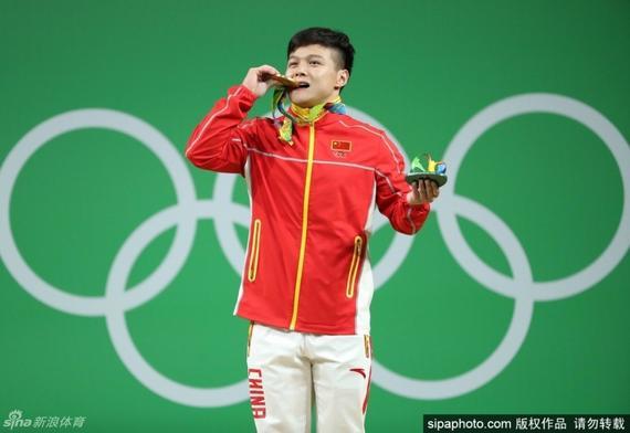 龙清泉时隔八年再夺金牌