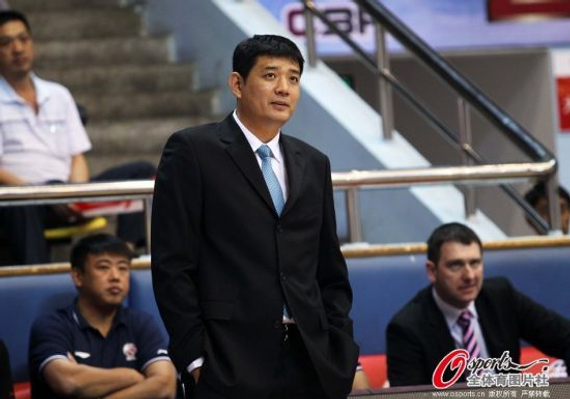 青岛主帅巩晓彬对网上关于球队签约卢卡斯的流言做了澄清