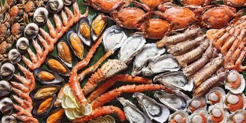 盘点世界各地最奇葩海鲜吃法