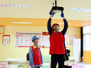 """石台供电公司:""""红马甲""""进校园 新学期""""亮堂堂"""""""