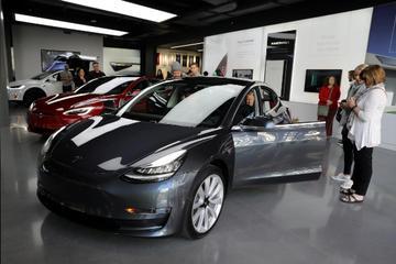 特斯拉再定远大目标:6月底Model 3周产达6000辆