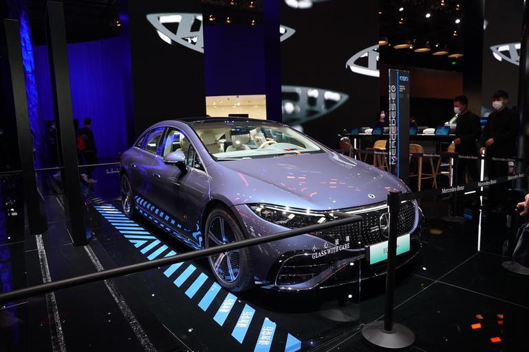 旗舰电动车都有什么黑科技 奔驰EQS对比宝马iX