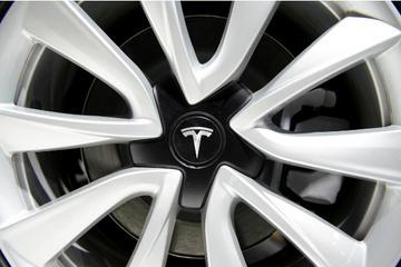 Model S上海地库自燃  特斯拉在华声誉难保?