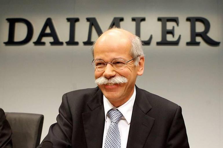 """戴姆勒称所有成本都在接受""""审视"""" 将削减以恢复利润率"""