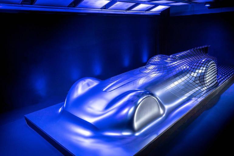 奔驰全新概念车预告图发布 将圆石滩车展亮相