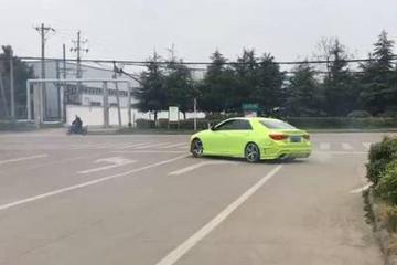 视频:奇葩司机真危险!看见了就躲远
