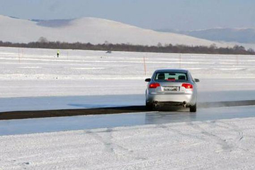 视频:影响汽车制动距离的,除了刹车盘还有啥?