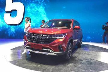 2018北京车展探馆:东风风行T5展车