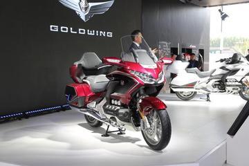 6缸的旗舰摩托车,起售价将40万元起的本田Gold Wing(金翼)