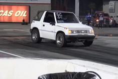 秒杀在场所有性能车 靠的竟是这辆车?