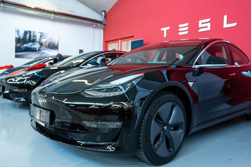 马斯克:自动驾驶是特斯拉的根本驱动力 是市值5000亿美元的关键