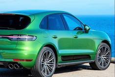 绿色保时捷Macan S 紧凑型豪华SUV