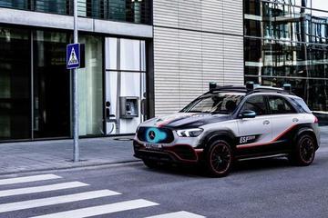梅赛德斯-奔驰ESF2019安全概念车宣传片