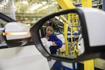 消息人士称上汽集团全年销量预计下跌7% 新目标下调8%至654万辆