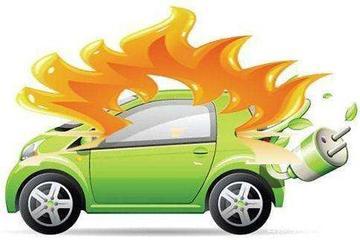 凌然:汽车自燃不断,谁为消费者安全保险