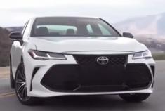 年轻人的第一辆车 2019款丰田亚洲龙Avalon