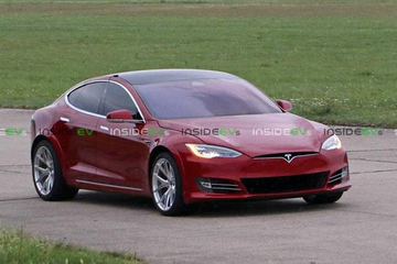 或为特别版 Model S在纽博格林附近测试