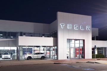 """特斯拉改变""""仅线上销售""""战略 雇佣更多销售和交车人员"""