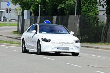 全新奔驰S级最新谍照 大灯造型清晰可见