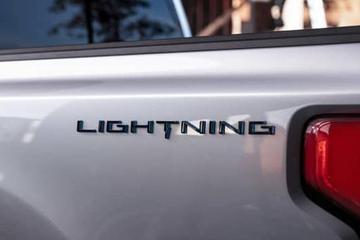 福特重启Lightning徽标 19日揭晓电动版F-150皮卡