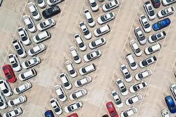 车企寒冬席卷全球 各大车企累计裁员将超8万人