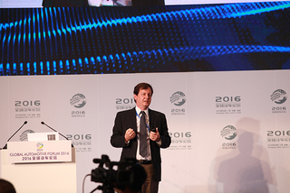 Michael Ableson:共享经济改变产业格局