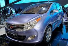 新浪汽车讯 为了弥补市场空缺,吉利汽车首款MPV车型将于2017年4月开幕的上海国际车展期间首发亮相。该车最大亮点为搭载1.0T三缸涡轮增压发动机,匹配7速双离合变速箱,未来还将推出新能源版本车型。