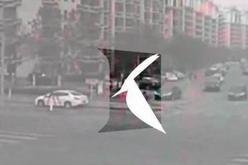 视频:女司机闯红灯!连撞两车致母亲丧命
