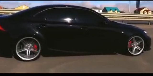 视频:暴脾气!雷克萨斯IS-F烧胎