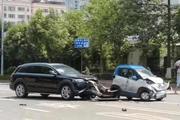 奥迪Q7豪车撞上3万块的小