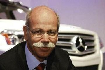 戴姆勒拆分为乘用车、商用车、金融三大板块