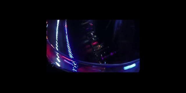 视频:捷豹F-PACE 运动型SUV挑战上海摩天轮