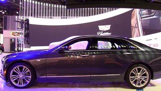 视频:2018纽约车展实拍2019凯迪拉克CT6 3.0