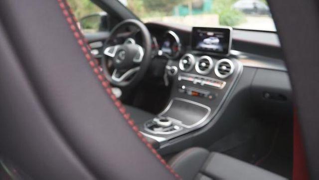 视频:对比试驾奥迪Audi S4 Avant vs 奔驰AMG C43 Estate