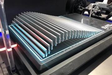比亚迪多款新车搭载刀片电池 三元锂真的没有未来?