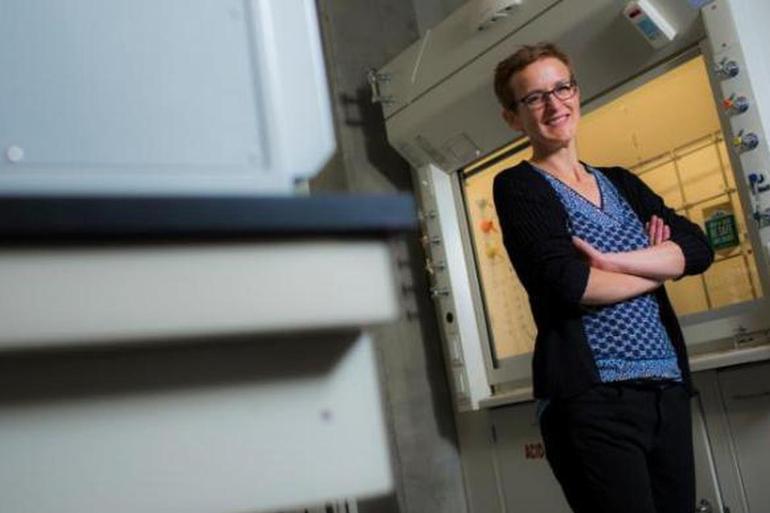 阿尔伯塔大学欲利用纳米硅材料打造新款锂电池