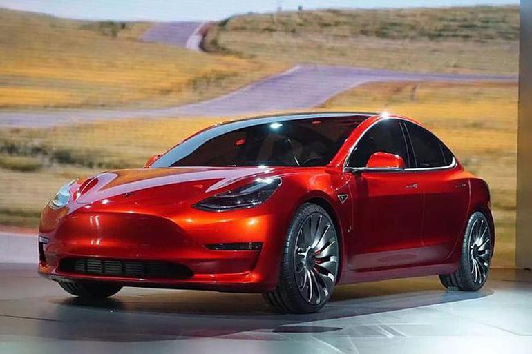 特斯拉Model 3长续航后驱版接受预定 售价43.3万元起