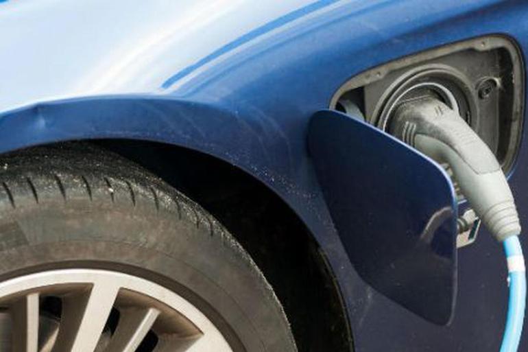上半年销量过5000辆的就三家 新造车企业融资却同比翻一倍
