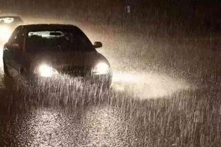 该涉水时就涉水 详解雨季涉水开车技巧