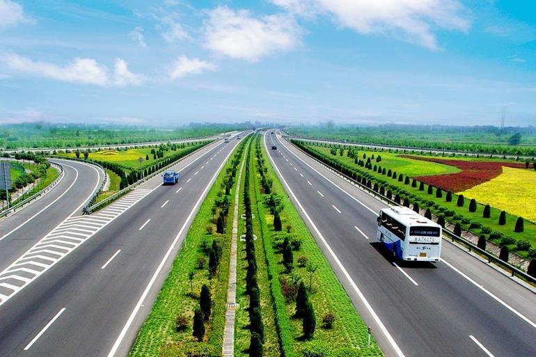 完善车型分类体系 收费公路通行费新标准将于9月1日实行