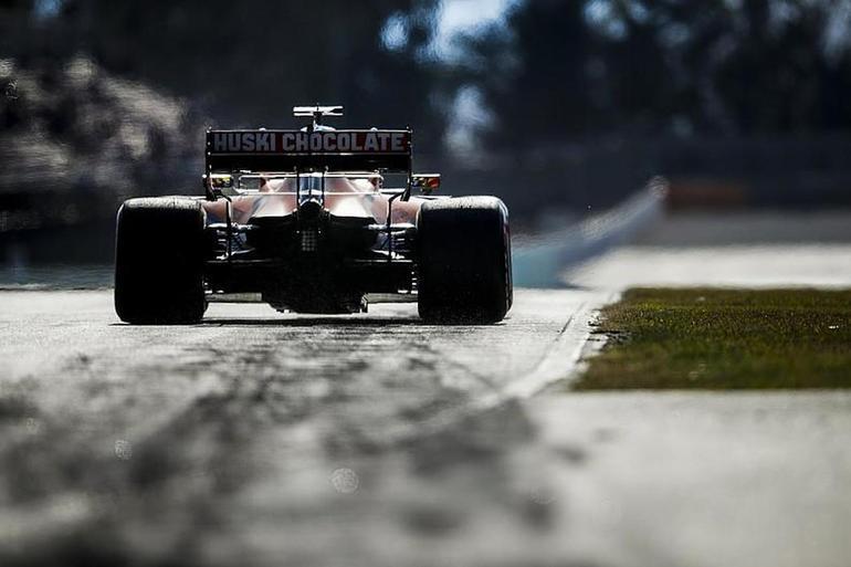 """疫情中的""""生死时速"""":7支F1车队宣布联手制造呼吸机"""