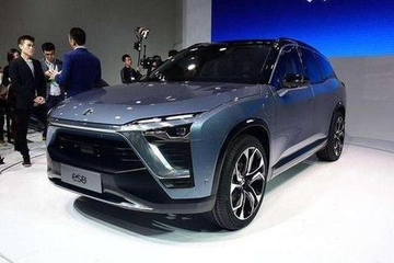 这国产SUV, 全铝车身+超2.8米轴距, 5秒破百